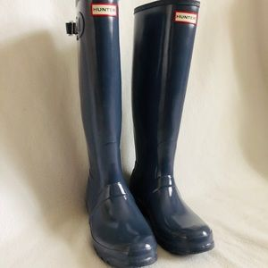 Excellent Hunter Glossy Tall Rain Boots in Gray
